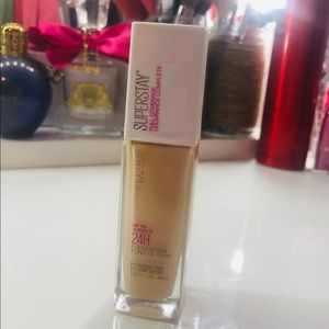 Maybelline super stay foundation